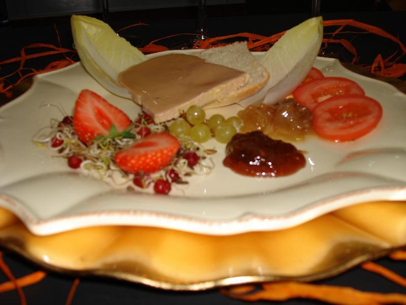 foie gras de canard maison en habit de f tes entr es froides traiteur lille tourcoing. Black Bedroom Furniture Sets. Home Design Ideas